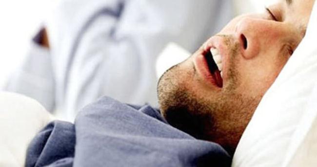Uyku apnesi hayati tehlike taşıyor