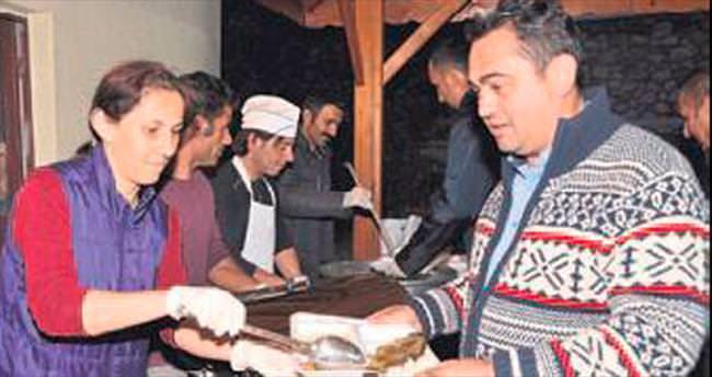 İbradı'da el ele gönül gönüle iftar yemeği