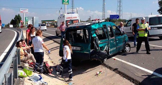 İzmir'deki feci kaza iki aileyi yasa boğdu