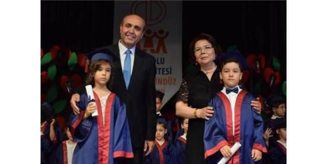 Anadolu Üniversitesi'nin minikleri mezun oldu