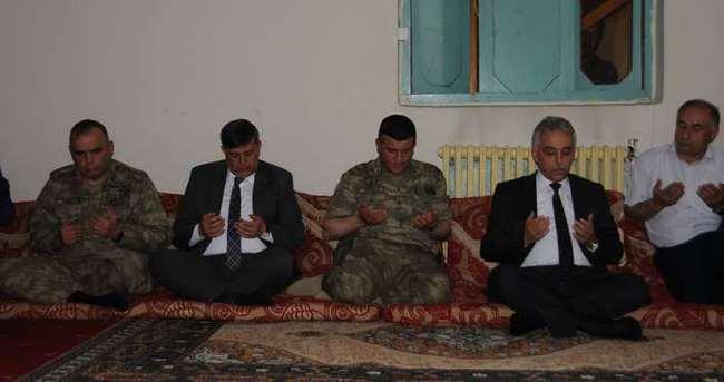 PKK'nın katlettiği kamyon şoförünün ailesini Vali Toprak ziyaret etti