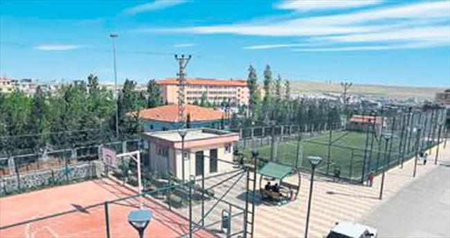 Büyükşehir'den spor tesisi atağı