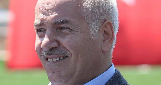 Trabzonspor'da 3 isim imzaya kaldı