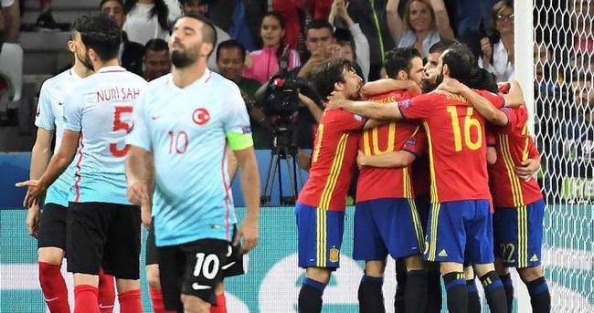Yazarlar Türkiye - İspanya maçını değerlendirdi