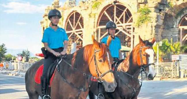 Güvenliği atlı birlikler sağlıyor
