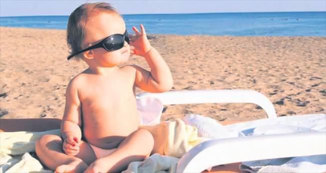 Tatilde bebeğinizin uyku ve yemek düzeni değişmemeli