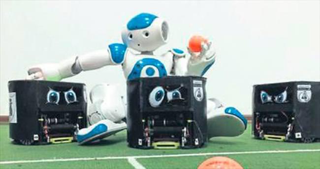 Robot futbol takımı kupaya hazırlanıyor