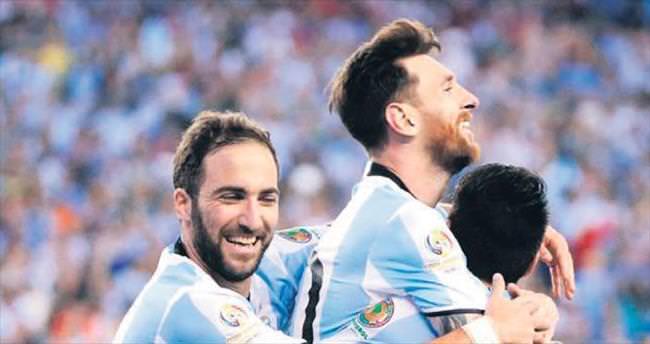 Messi, Batistuta'nın rekoruna ortak oldu