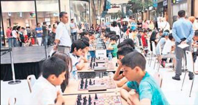 Nata Vega AVM'de satranç turnuvası