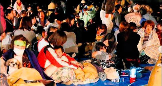 Yüzlerce kişi deprem hastalığına yakalandı