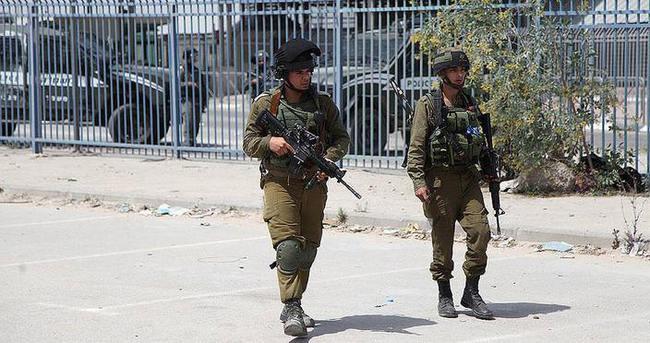 İsrail Kudüs'te tarihi eserleri tahrif ediyor