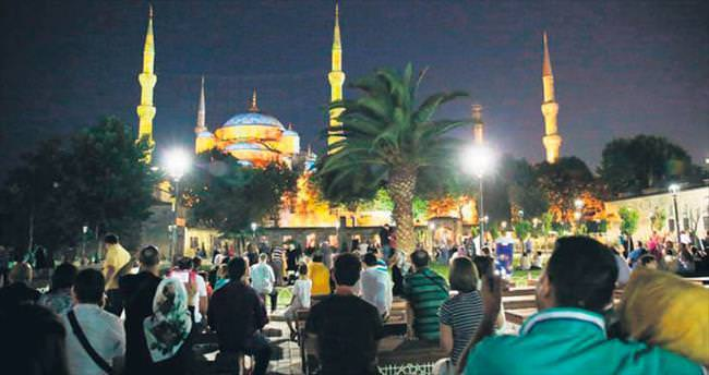 Sultanahmet Camisi'nde 'mapping' teknolojisi