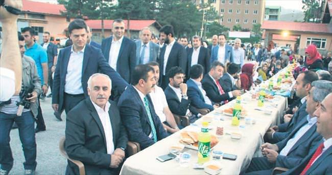 AK Parti Ankara İl Başkanlığı Hakkâri'de 300 kişiye iftar verdi