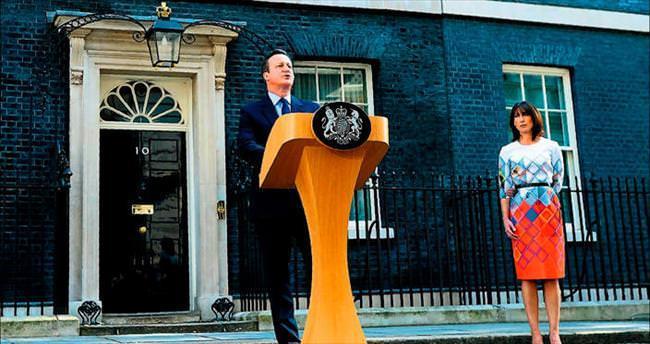 Cameron istifa etti