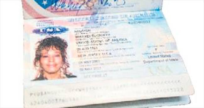 Whitney Houston'ın eşyaları 525 bin dolara satıldı