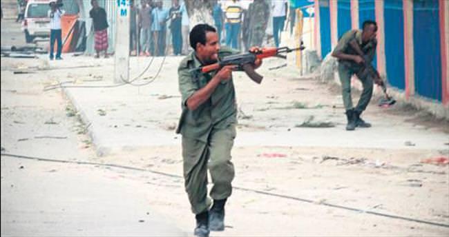 Otele bombalı ve silahlı saldırı: 15 ölü