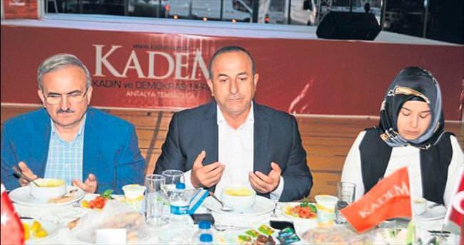 KADEM'in iftar sofrası