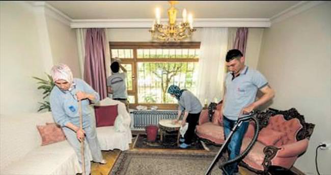 Yaşlı evlerinde bayram temizliği
