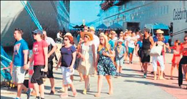 İngiltere: Türkiye güvenli turist olarak gidebilirsiniz