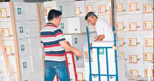 İhtiyaç sahiplerine gıda yardım paketi