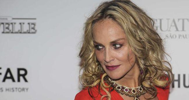 Sharon Stone son görüntüsüyle şaşırttı