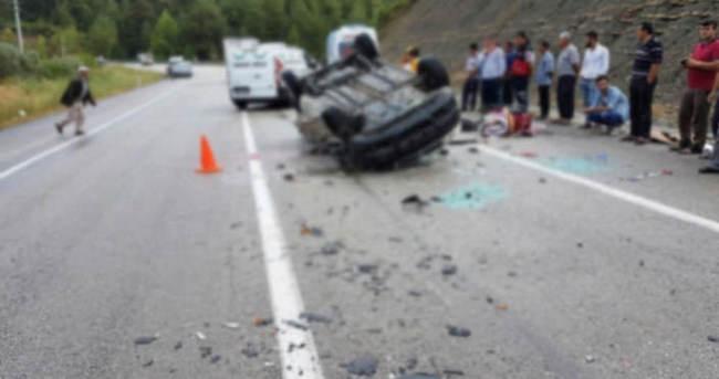 TIR ile otomobil çarpıştı: 5 ölü, 1 yaralı