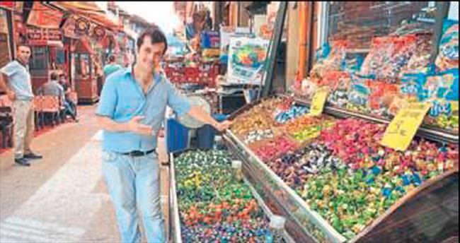 İzmir'de kalanlar alışverişe koştu