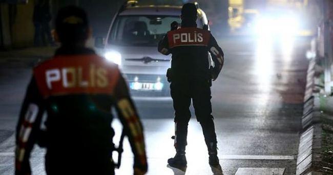 Kağıthane'de polis aracına ateş açıldı