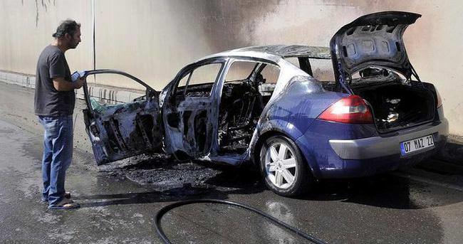15 gün önce aldığı otomobili gözünün önünde yandı