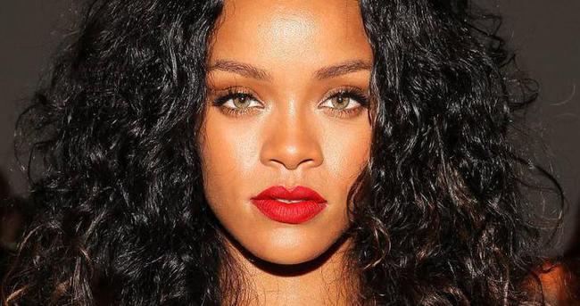 Rihanna zika virüsü nedeniyle konserini iptal etti