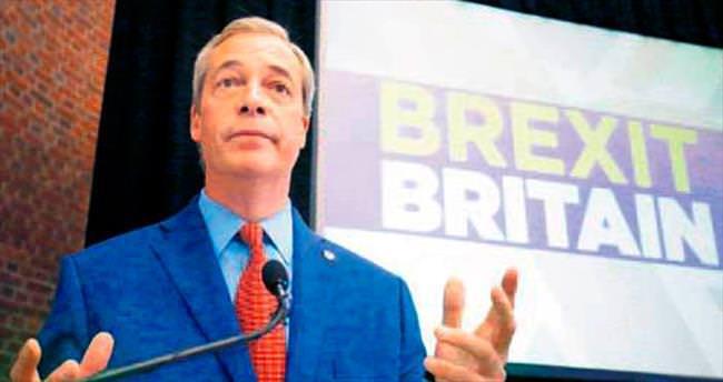 Brexit kampanyasının öncüsü Farage partisinden istifa etti