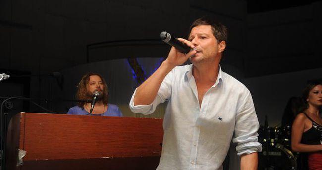 Kıraç yakın arkadaşı Mirkelam'ın konserine katılmadı