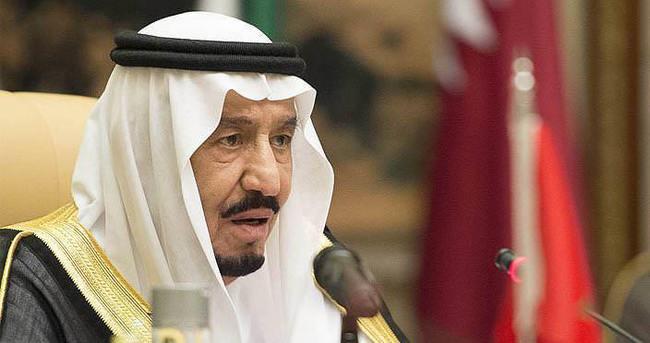 Suudi Arabistan Kralı Selman: Gençlerin eğilimlerini hedef alanlarla mücadelede kararlıyız