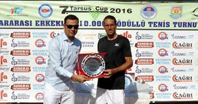 Tarsus Cup'ta İtalyan raket Bellotti şampiyon