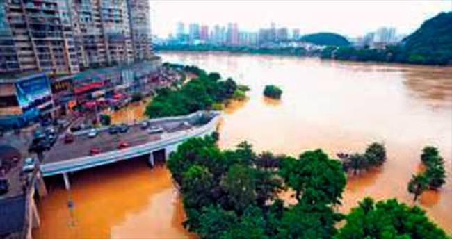 Çin'de sellerde 130 kişi öldü