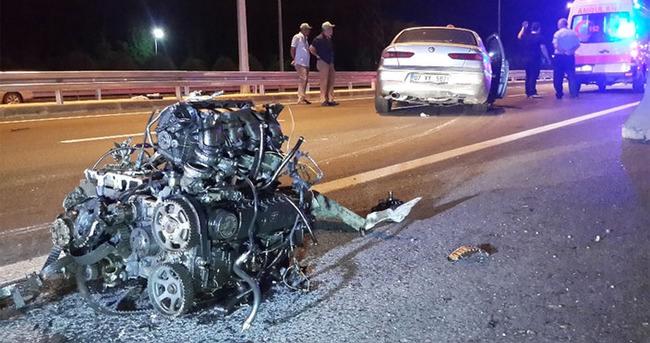 Kazada otomobilin motoru fırladı