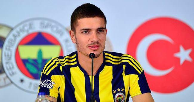 Fenerbahçe'den imza töreninde Galatasaray'a gönderme