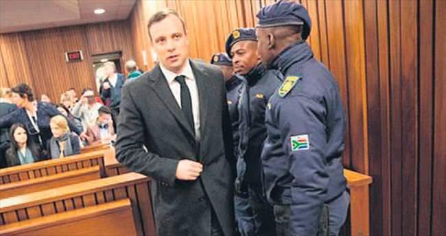 Pistorius 6 yıl hapis cezası aldı