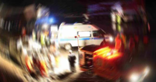 Kocaeli'de otomobil tıra çarptı: 4 ölü, 1 yaralı