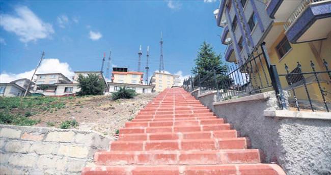 Yenimahalle'nin yokuşlarına merdiven yapılıyor