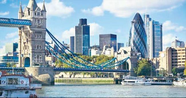 JP Morgan çalışanlarını Londra'dan çekebilir