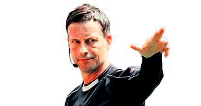 Dev finalin hakemi Mark Clattenburg