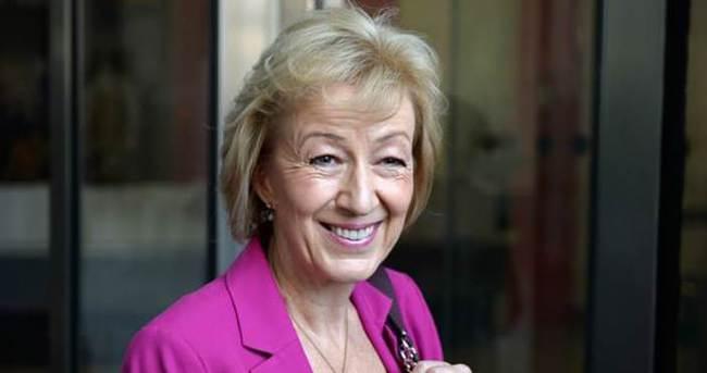 Leadsom çekildi, İngiltere'nin yeni başbakanı May oldu