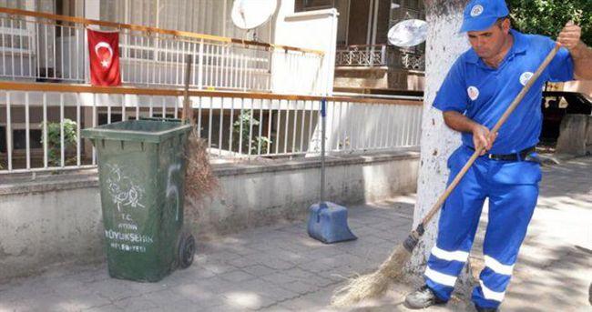 Temizlik işçisi bulduğu 5 bin euroyu teslim etti