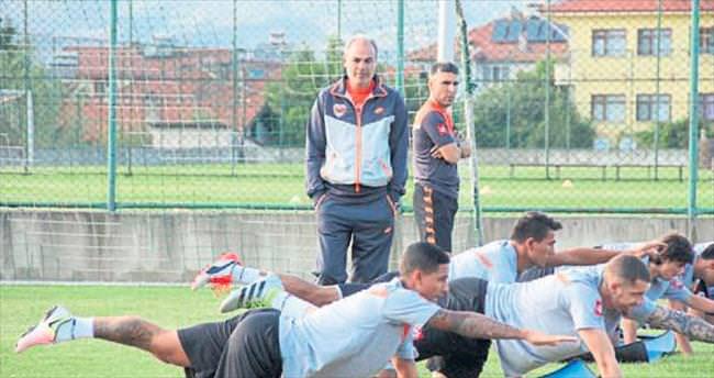 Adanaspor, Bolu'da çalışmaları sürdürüyor