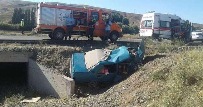 Otomobil şarampole devrildi: 5 ölü