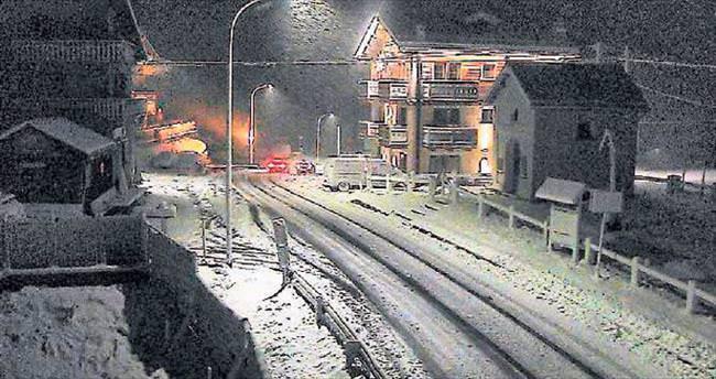 Temmuzda kar yolları kapattı