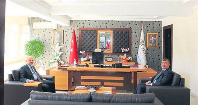 Vali Ertan Peynircioğlu Akdoğan'ı ziyaret etti