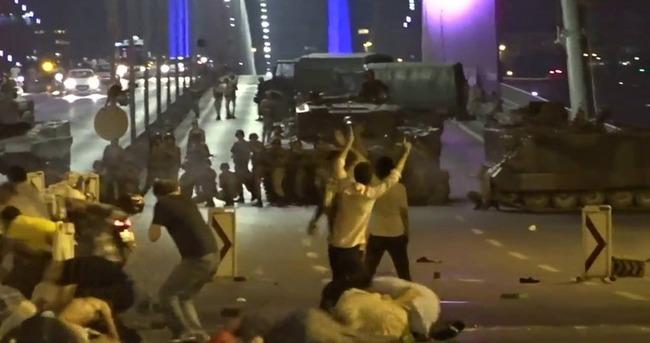 Boğaz Köprüsü'nde sivillere ateş açan katil sürüsü