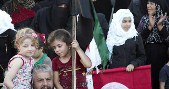 İdlib'te Türkiye'ye destek yürüyüşü..